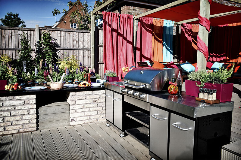 Love Your Garden Alan Titchmarsh Composite Decking Builddeck 1