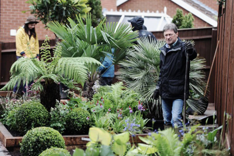 Love Your Garden Alan Titchmarsh Composite Decking Builddeck 2